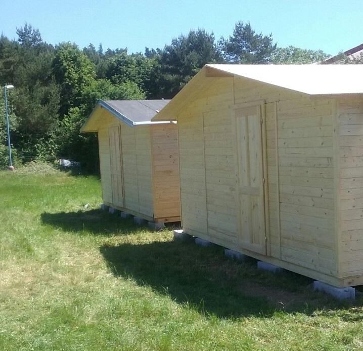 Dřevěná chatka s okny (19mm), rozměr 5,1 x 2,7m